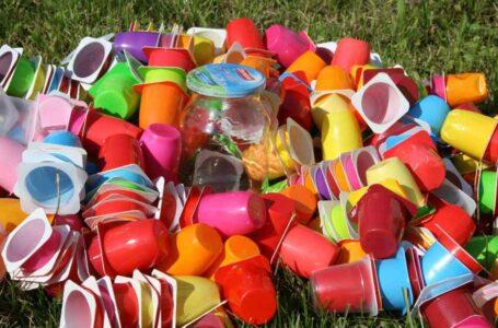 Enzima para devorar plástico