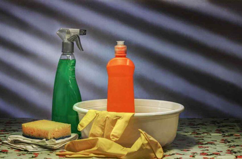 Limpiador de muebles ecológico